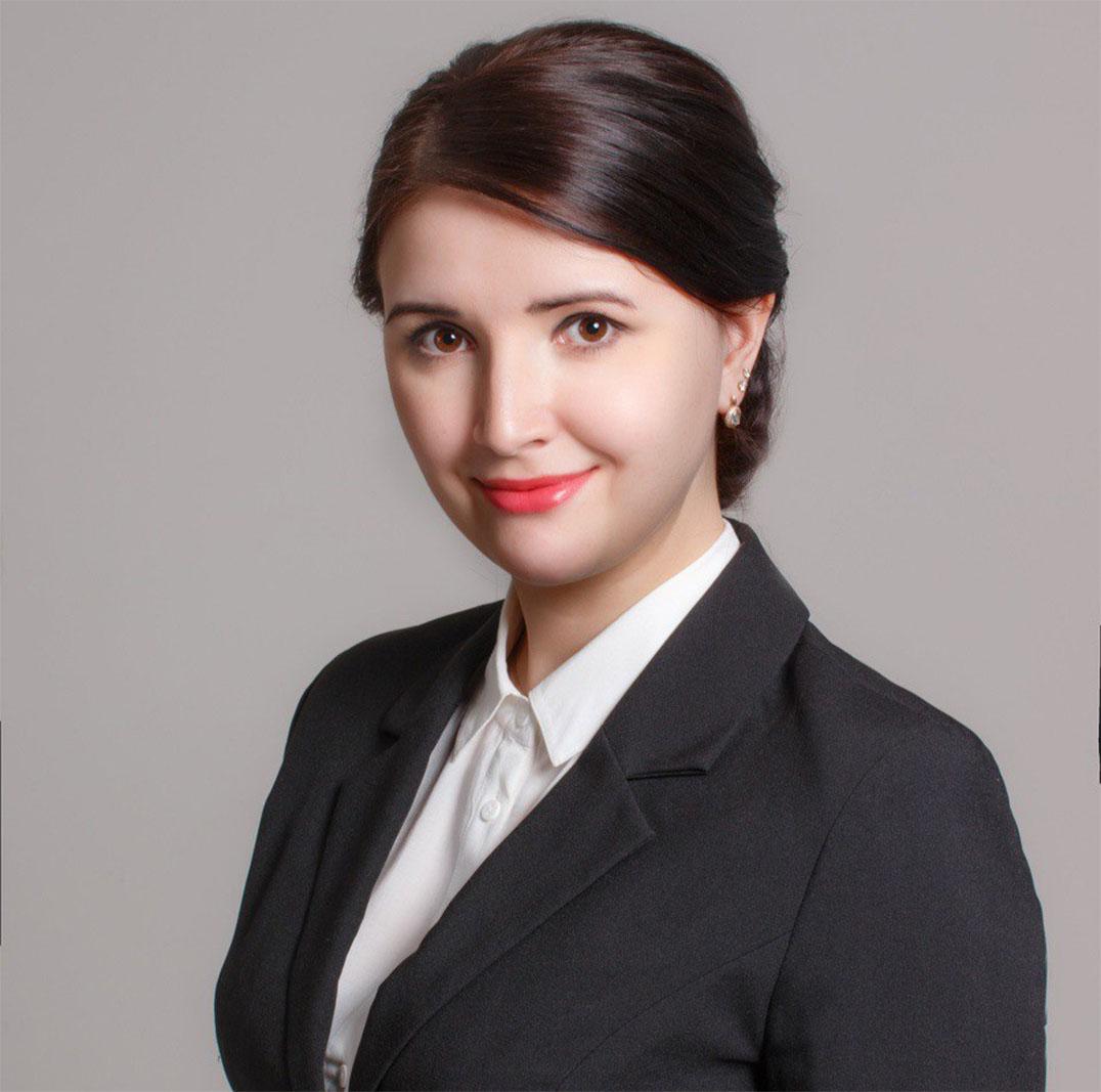 Гусарова